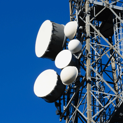 They relay antennas, are both related to antennas dedicated to mobile phones as terrestrial television repeaters, radio equipment of state services such as the military, firefighters and hospitals.